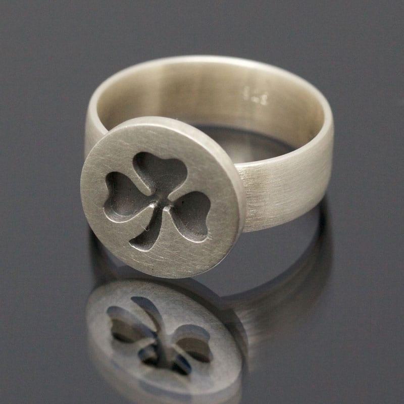 Ring Silber geschwärzt Kleeblatt