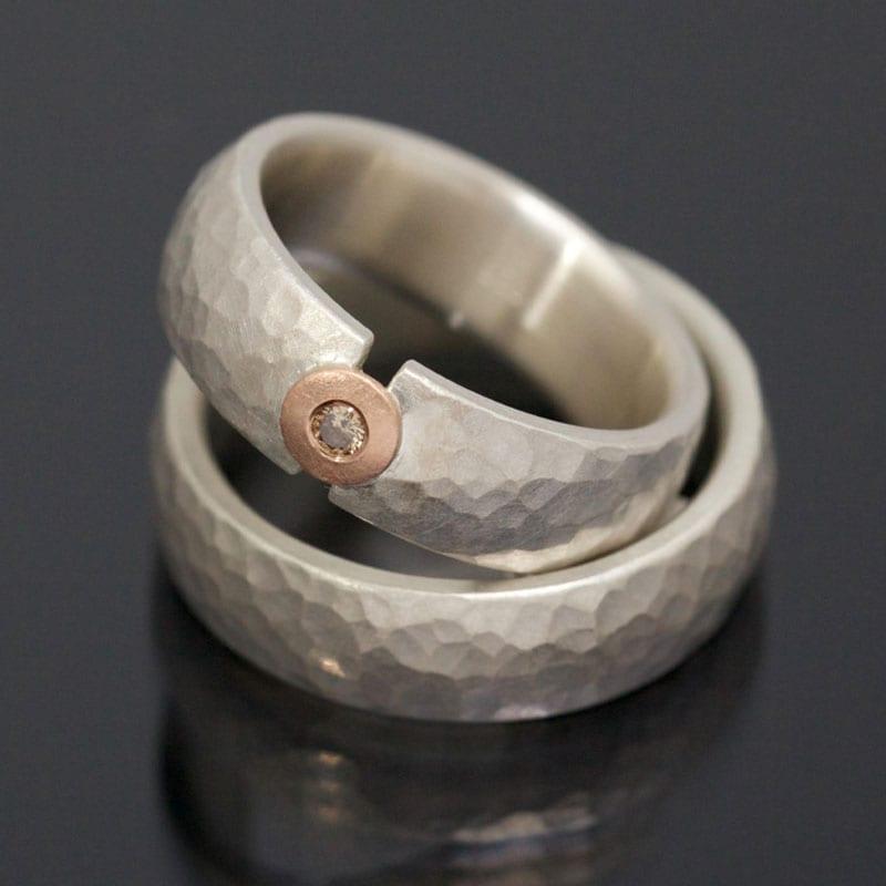 Ringpaar Silber Rotgold Hammerschlag Brillant