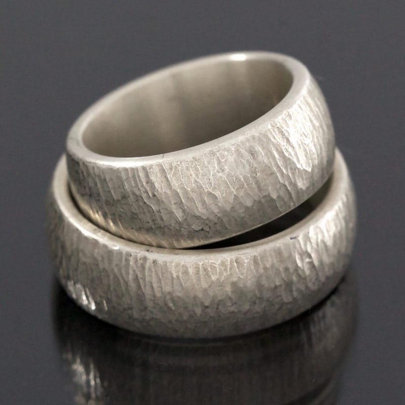 Ringpaar Silber Struktur Hammerschlag Finnenschlag