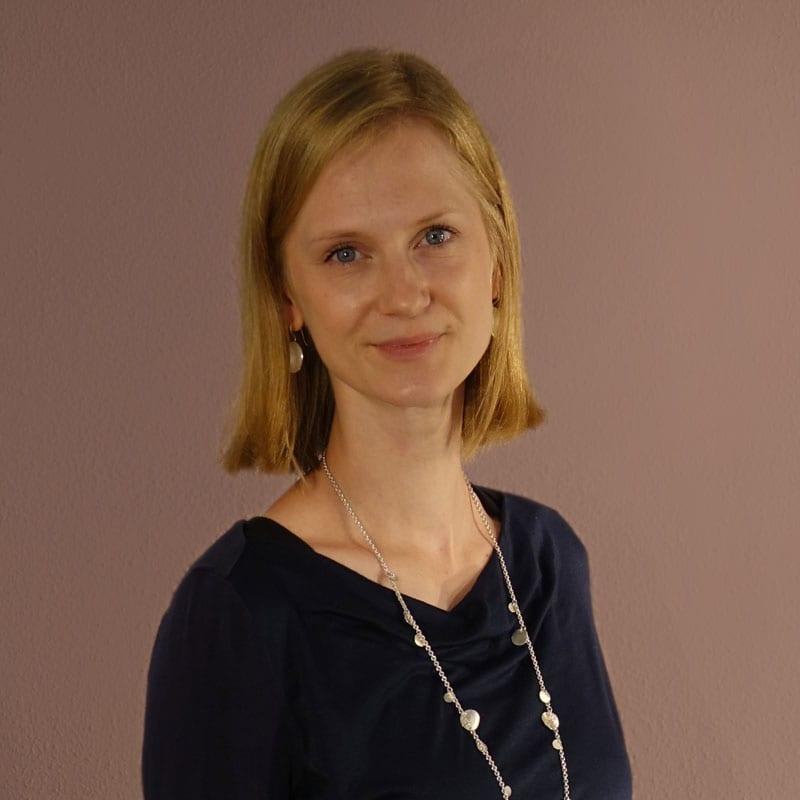 Goldschmiedegesellin Elena Rudolph
